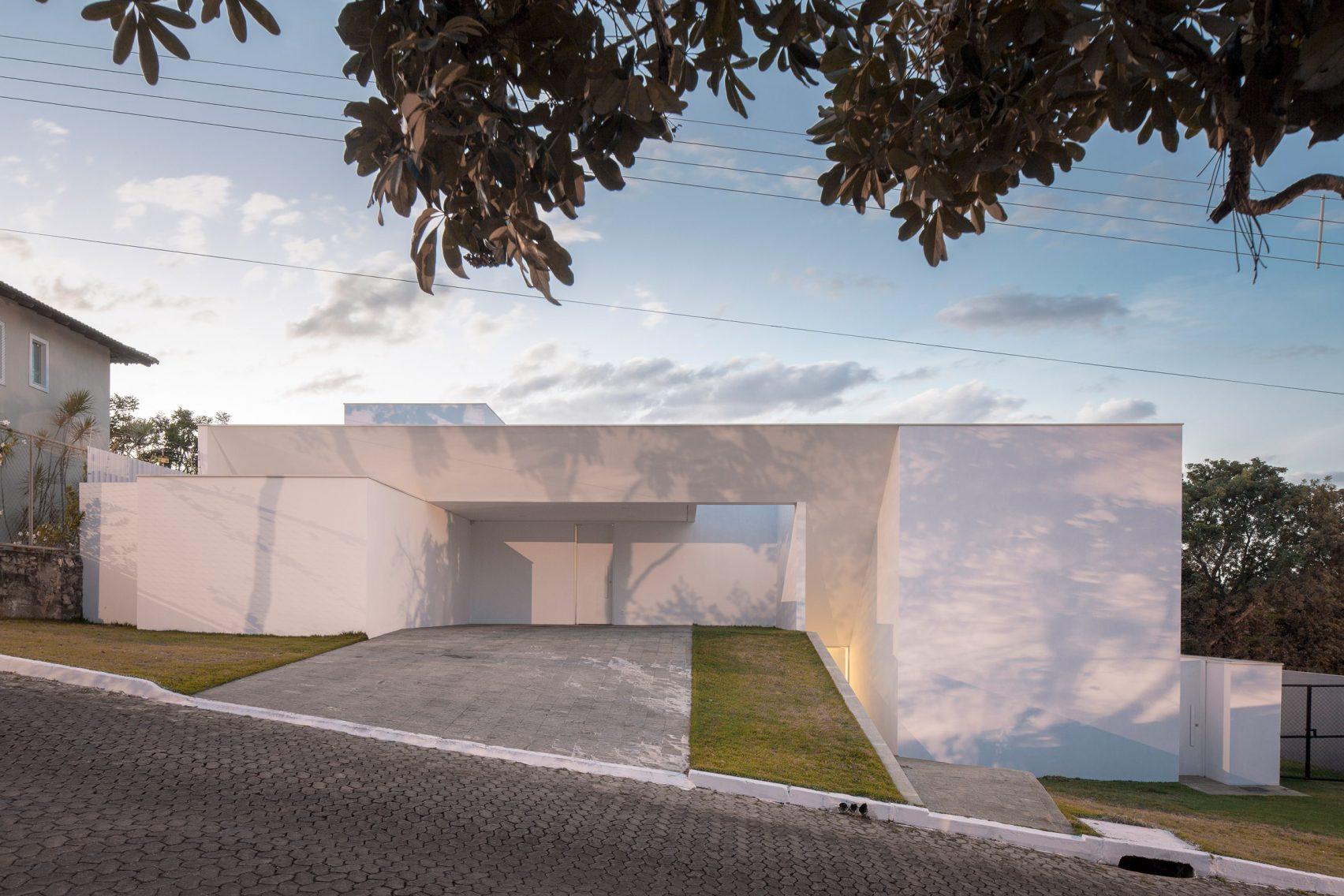 Cora House с абстрактным характером