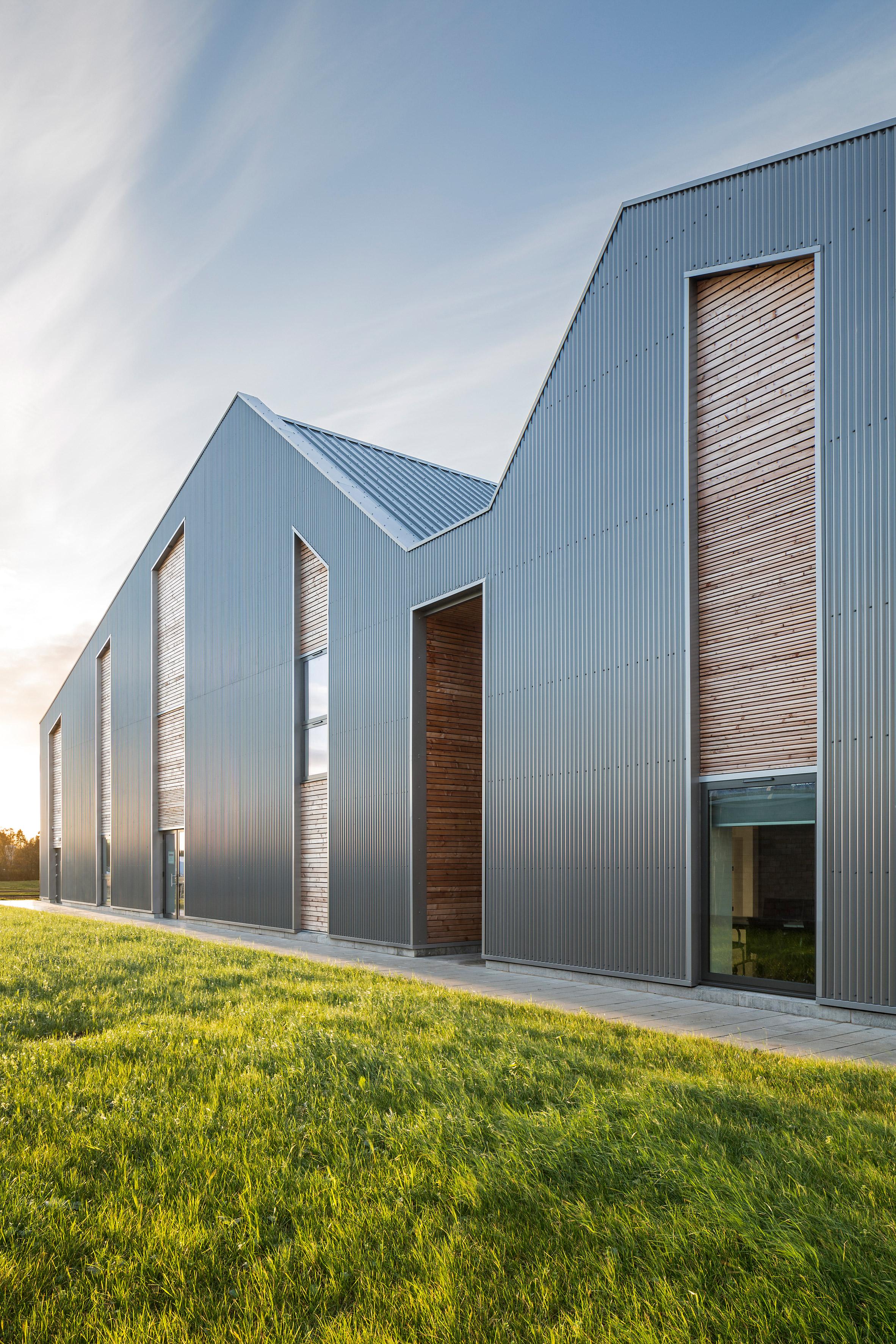Sheppard Robson designs barn-style extension for Edinburgh horse hospital