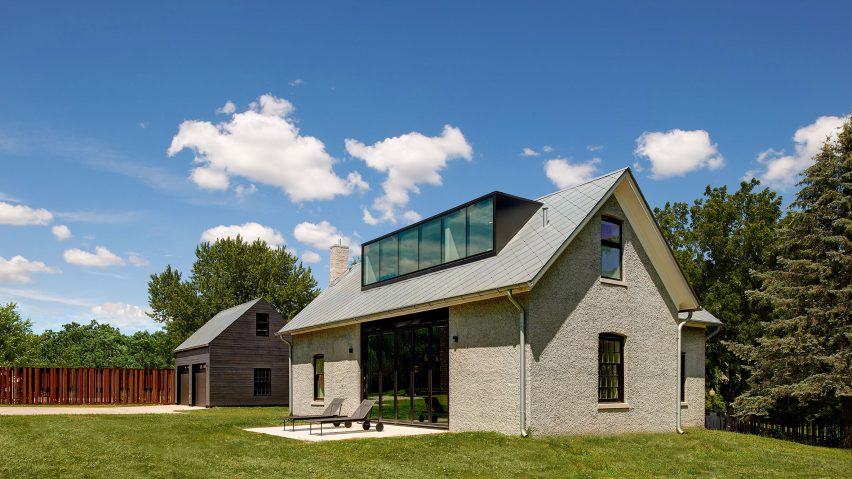 Foster Road Retreat by Neumann Monson Architects