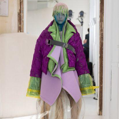 """La colección de alta costura artesanal de Maison Margiela está diseñada para """"nativos neo-digitales"""""""