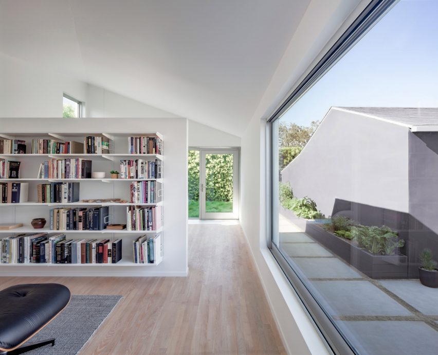 Rear Window House by Edward Ogosta Architecture