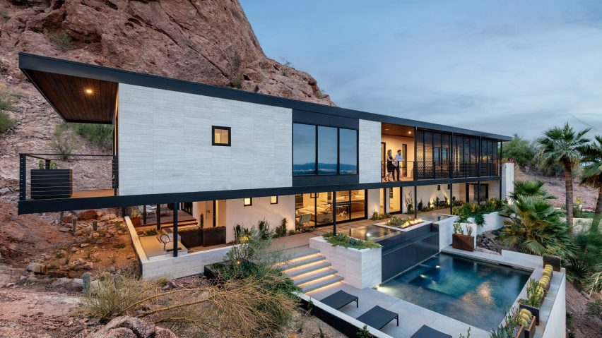 Red Rocks house by The Ranch Mine nestles into Arizona mountainside