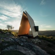 "MAPA assembles ""simple and austere"" Sacromonte Chapel in Uruguay over one day"