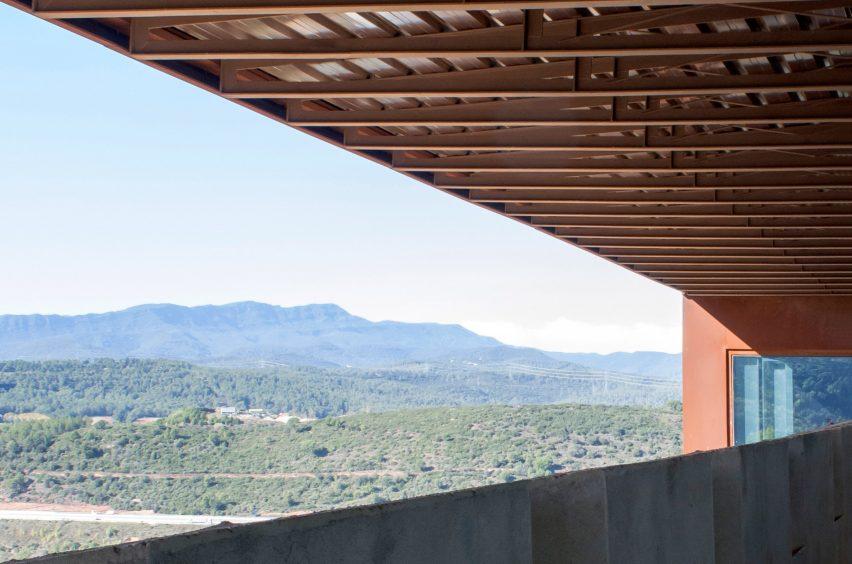 Sant Julià de Ramis fortress by Fuses Viader Arquitectes