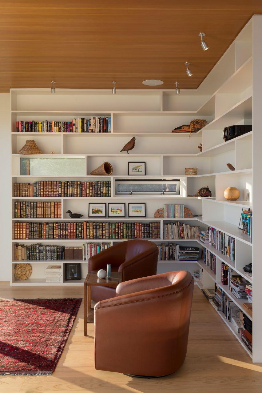 Bailer Hill house by Prentiss Balance Wickline Architects