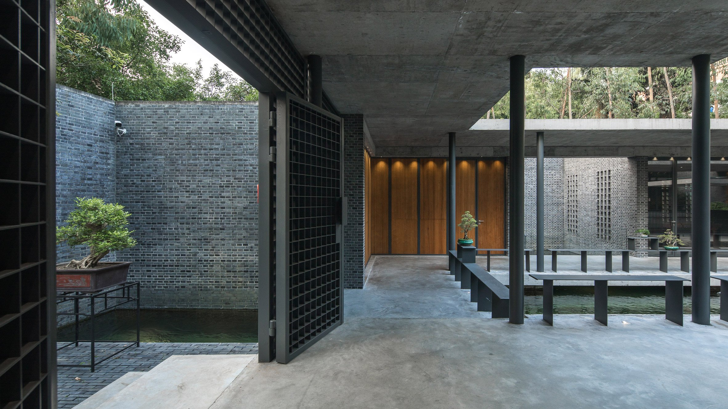 O office architects reinterprets traditional chinese courtyard house