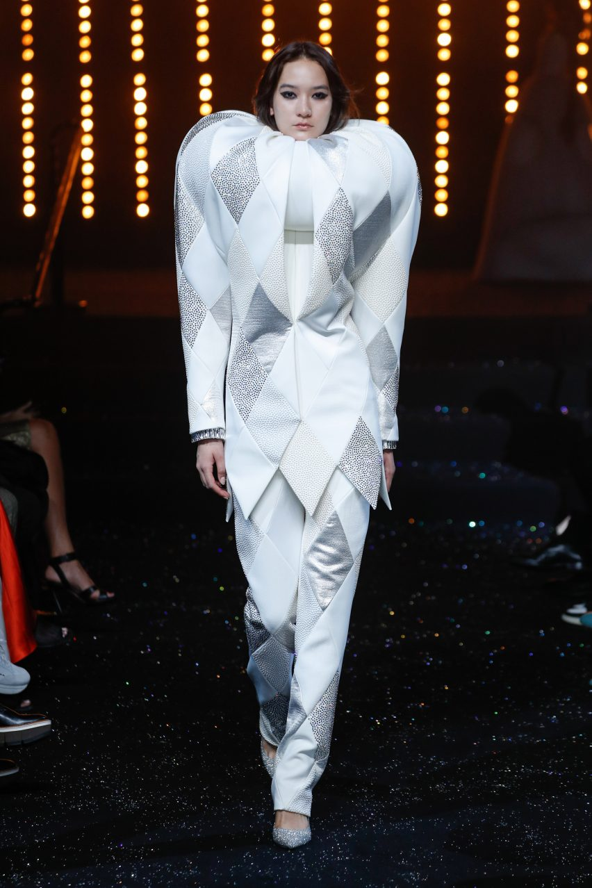 Viktor & Rolf mark 25th anniversary with all-white Immaculate couture collection