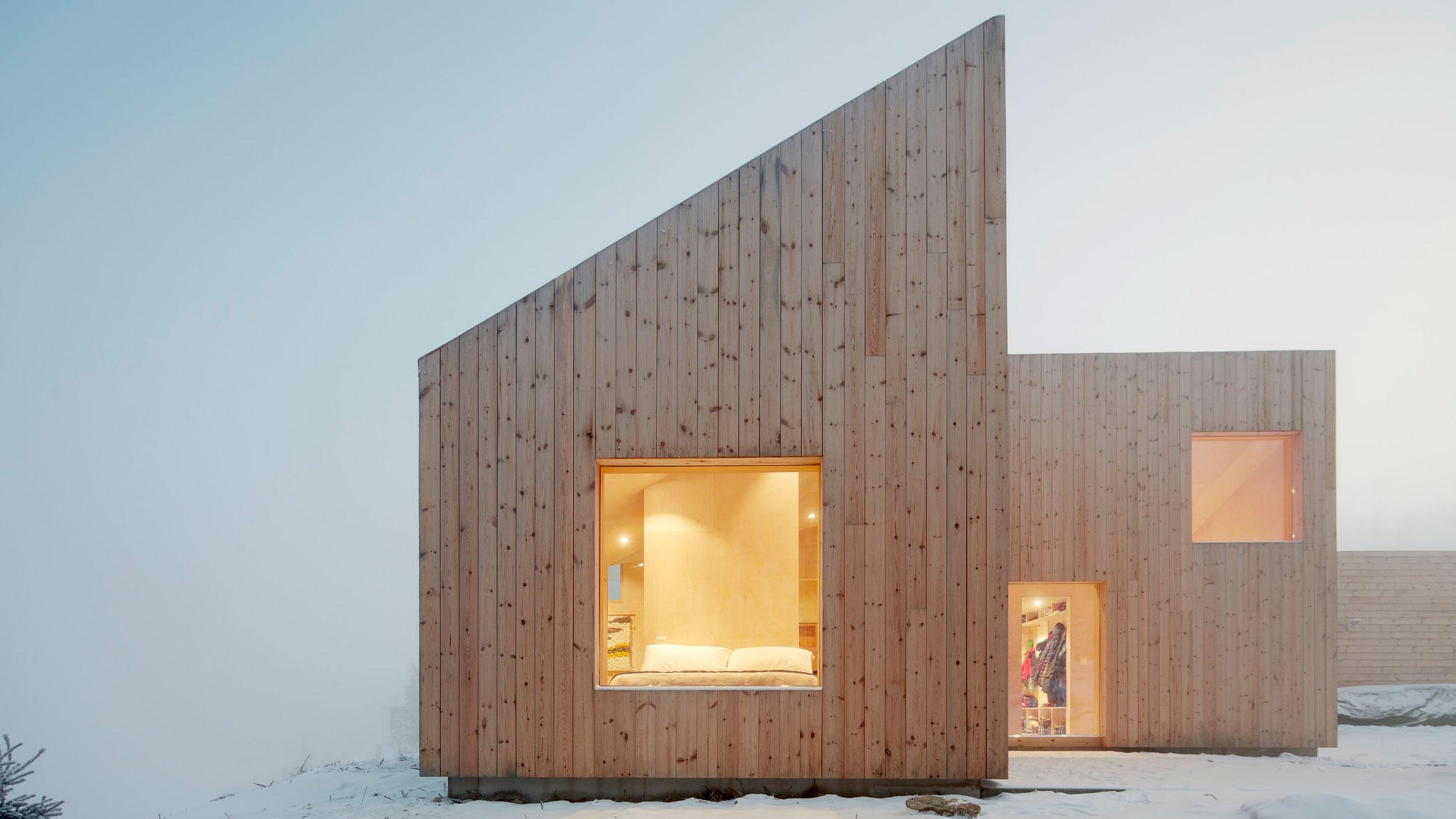 Mylla Hytte, Jevnaker, Norway, by Mork-Ulnes Architects