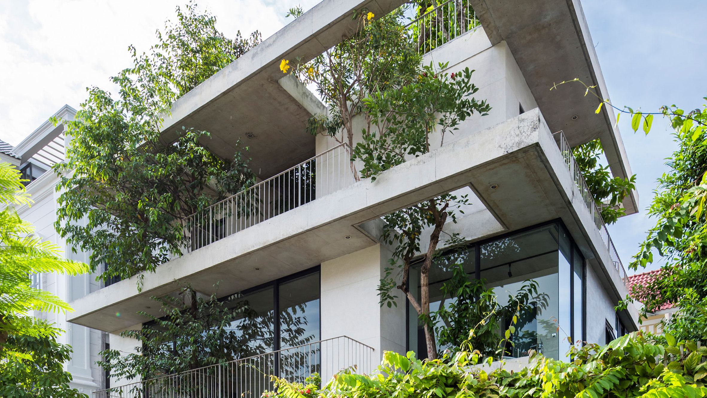 Stacked Planters House, Ho Chi Minh City, Vietnam, by Vo Trong Nghia Architects