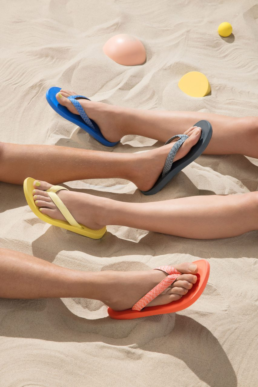 Flip flops with sugar cane soles from eco shoe brand Allbirds