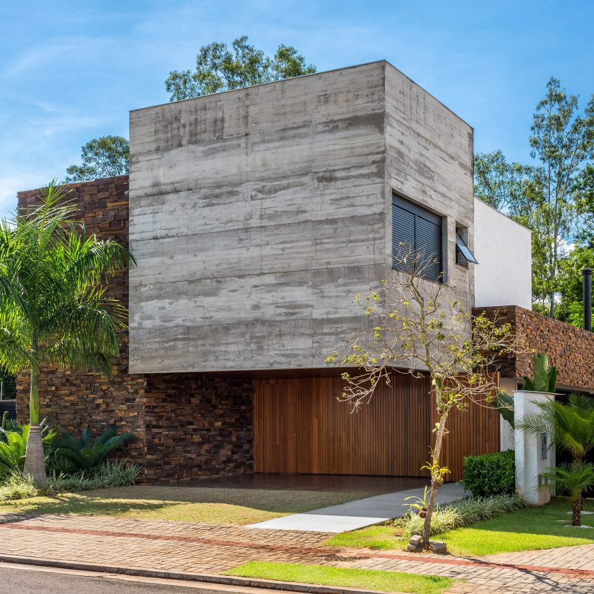 Alpha House by UABI