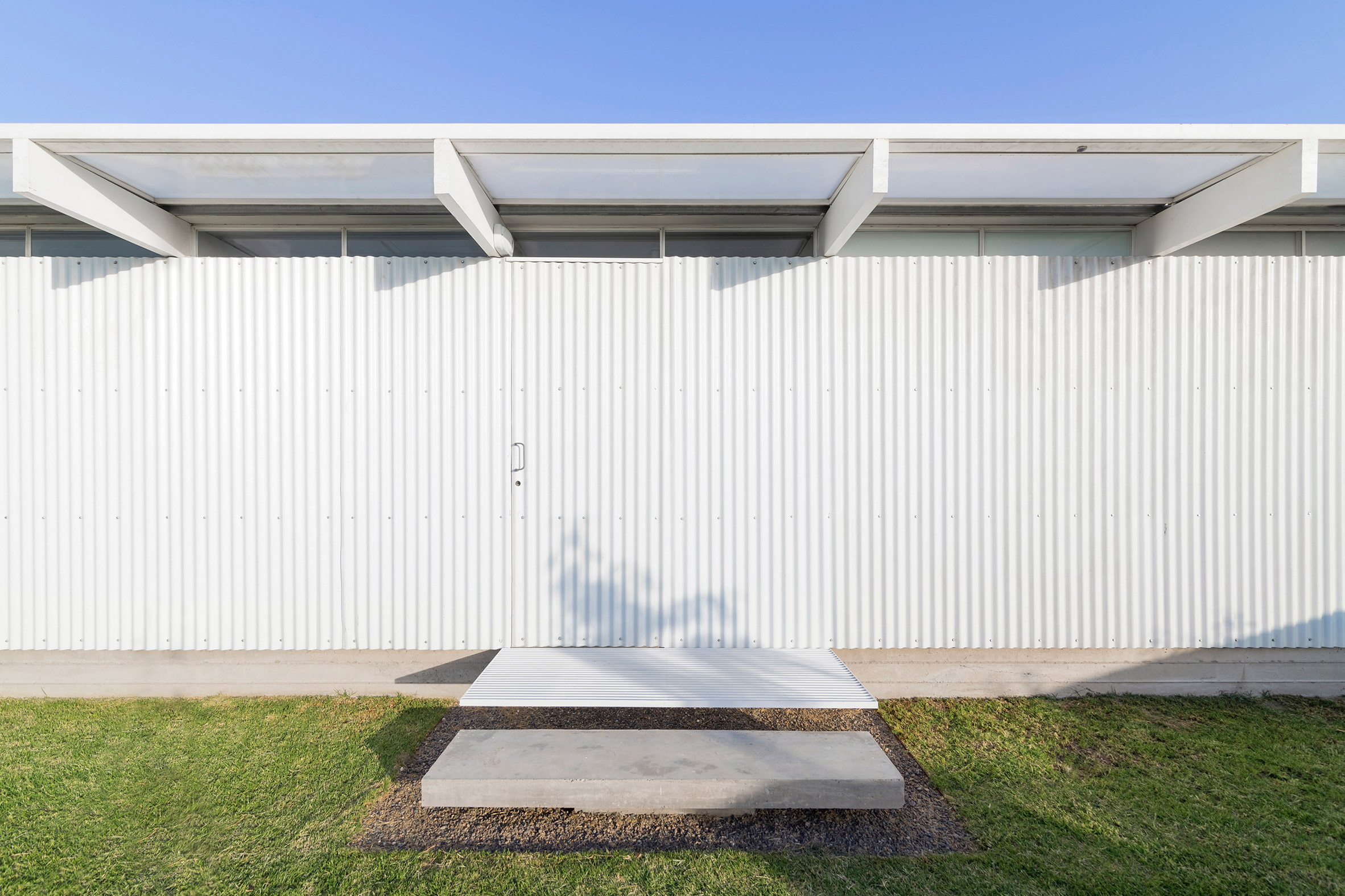 Bernardo Rosello's minimal El Maitén house in Buenos Aires is almost entirely white