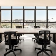 Frank Madieras office by SOLO Arquitetos