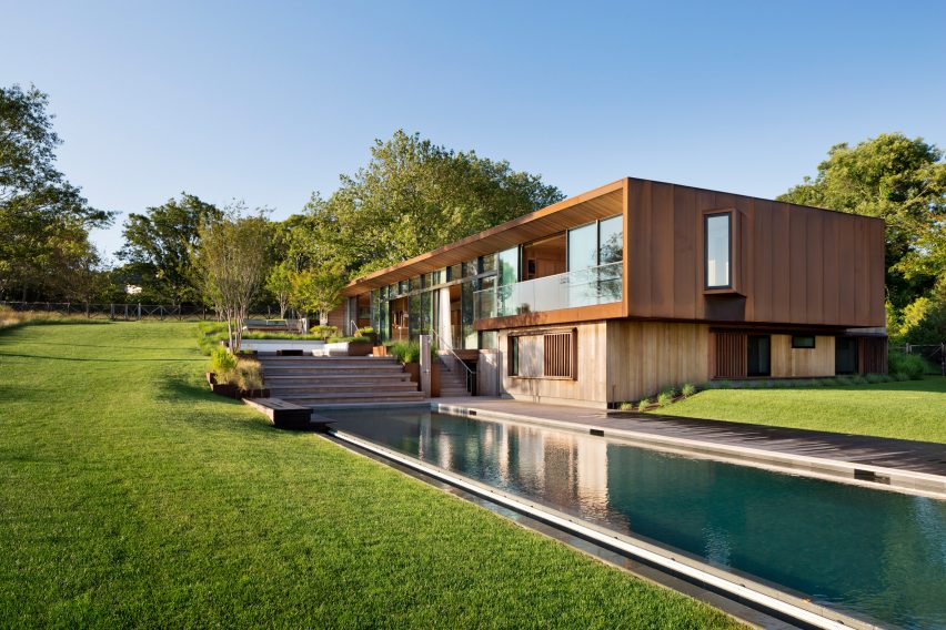 Peconic House by Mapos Studio