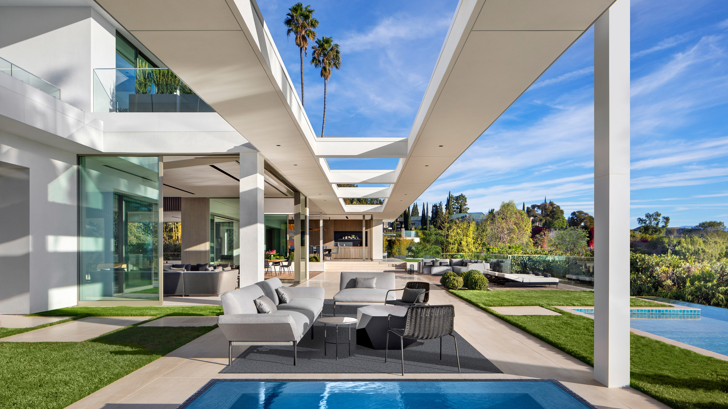 10 Los Angeles Mansions Fit For The Rich And Famous