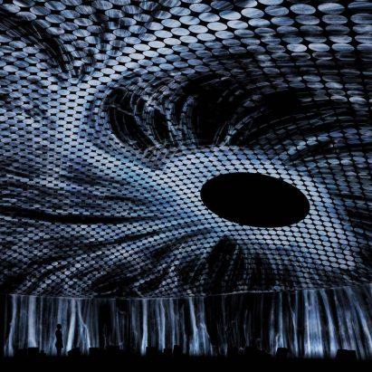 TeamLab crea un vórtice virtual como instalación inaugural para la galería Amos Rex de Helsinki