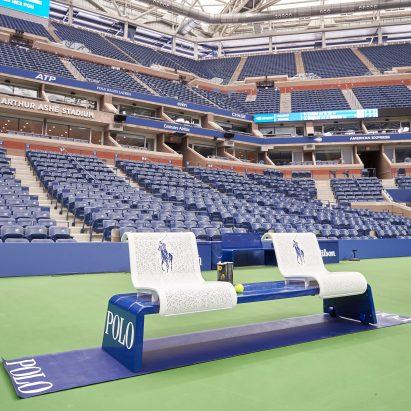 Canchas de tenis del US Open adornadas con muebles del estudio de Michael Graves