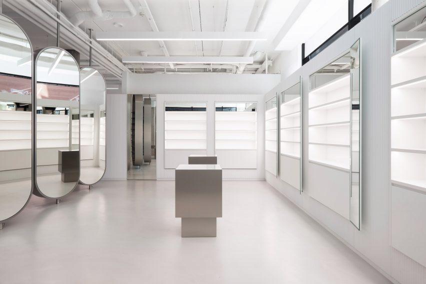 Zalando store by Batek Architekten