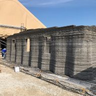 US military 3D prints concrete barracks on site
