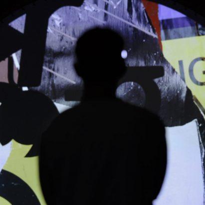 La instalación de Mind Over Matter desciende al caos en respuesta a las ondas cerebrales de los espectadores