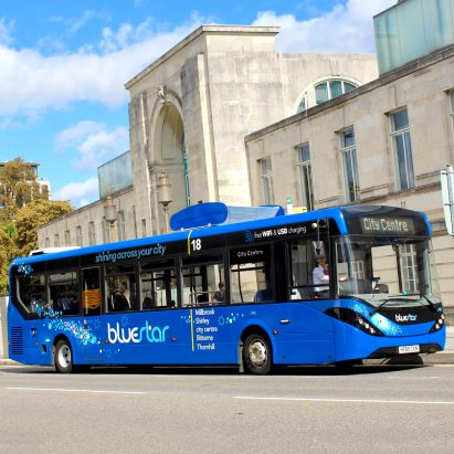 Air-filtering bus takes to the street in the UK