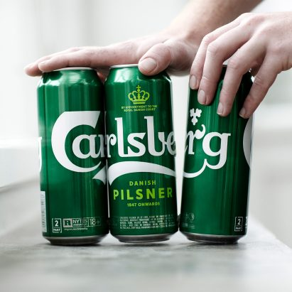 Carlsberg ditches plastic ring can holders for eco-friendly glue