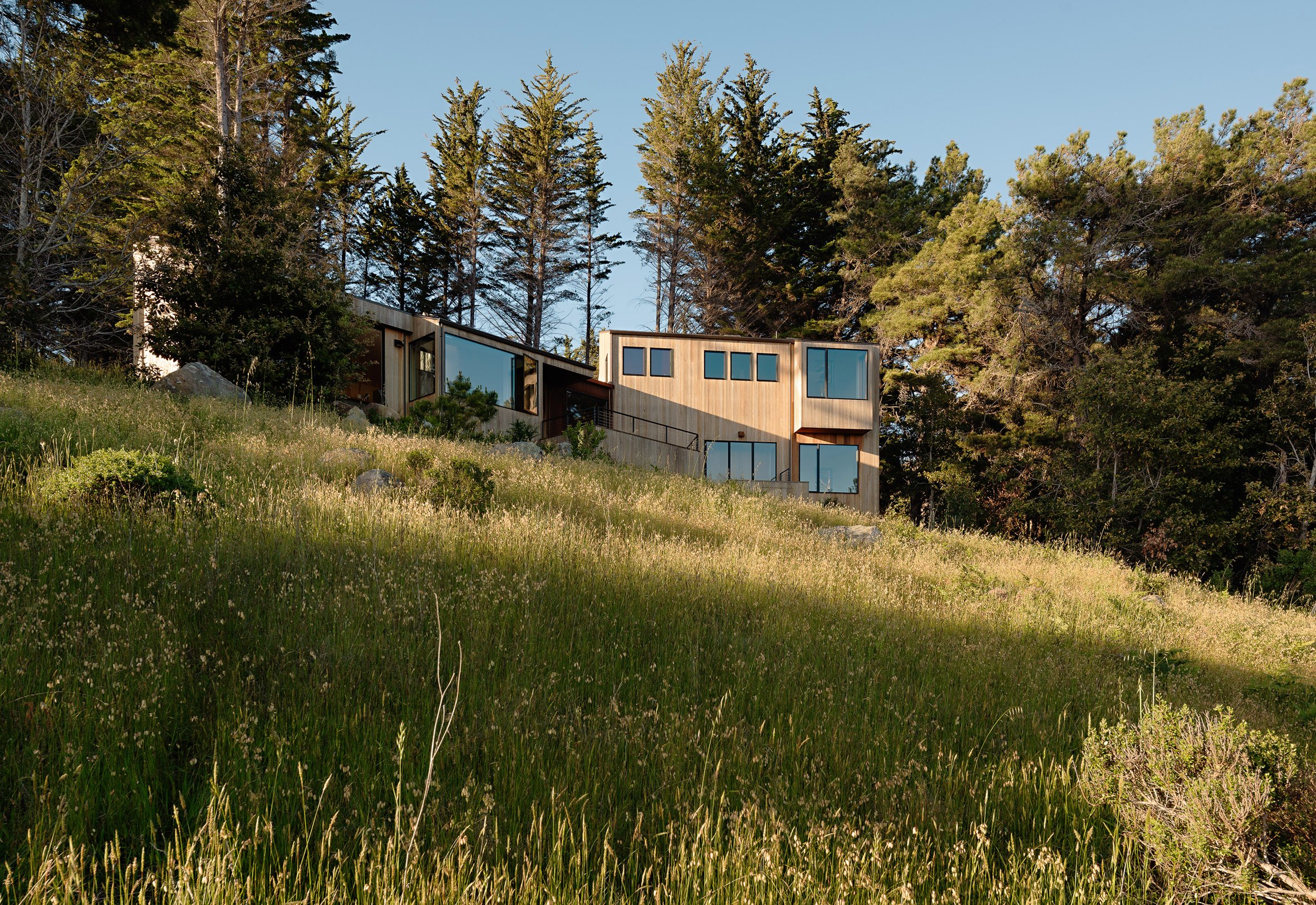 Steel porch connects Coastal Retreat at Sea Ranch by Malcolm Davis