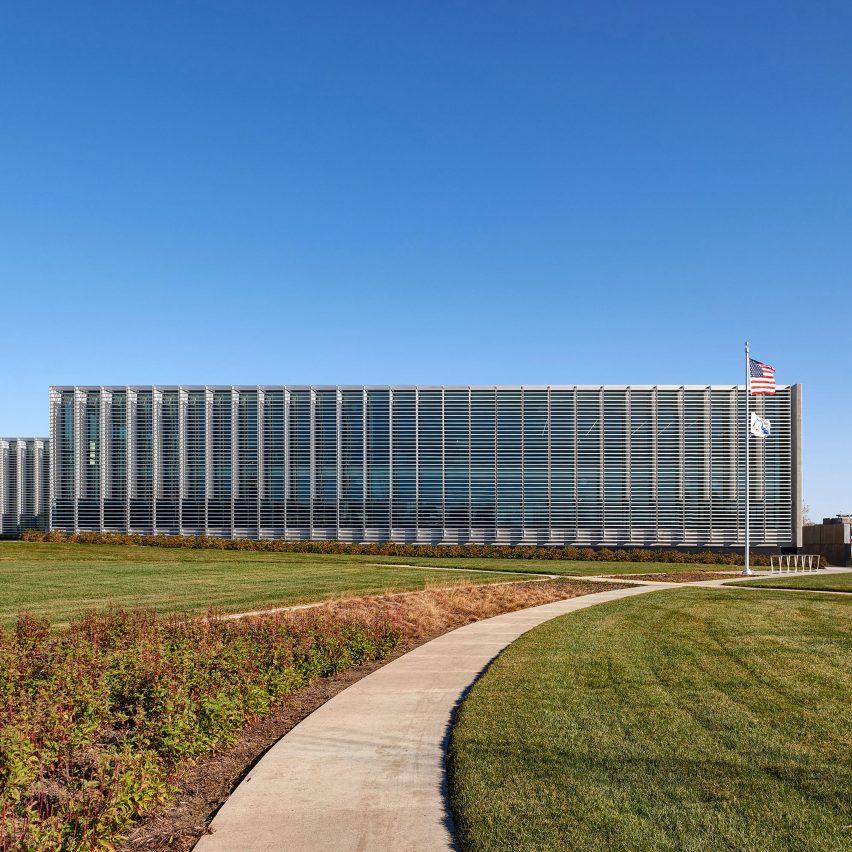 Des Moines Municipal Services Center by Neumann Monson Architects