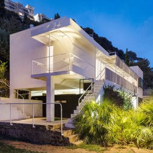 Eileen Gray's modernist E-1027 villa revealed in photographs by Manuel Bougot