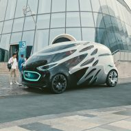 Mercedes-Benz unveils modular concept vehicle that transforms from car to van