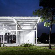 Pabellon Avila by Abraham Cota Paredes