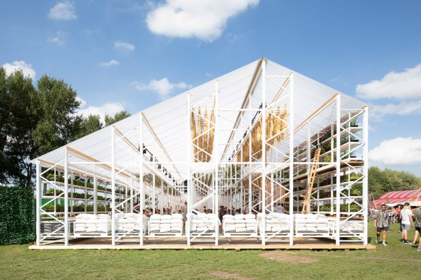 People's Pavilion by Overtreders W