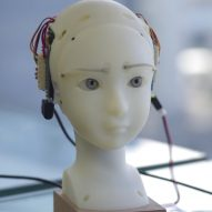 SEER robot identifies and mimics the expressions of nearby humans