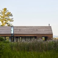 New York countryside barns inform Silvernails house by Amalgam Studio