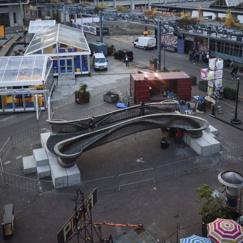 World's first 3D-printed steel bridge presented at Dutch Design Week