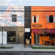 Svelte coffee shop by Boscardin Corsi slots between two stores in Brazil