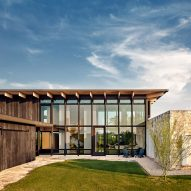 Michael Hsu creates Llano Retreat for remote spot in Texas Hill Country