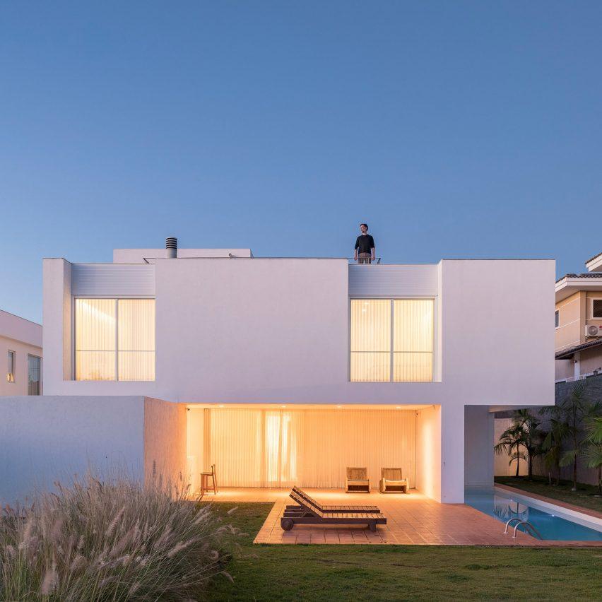 Morrone House by Bloco Arquitetos Associados