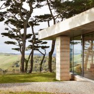"Peter Zumthor completes Devon countryside villa ""in the tradition of Andrea Palladio"""