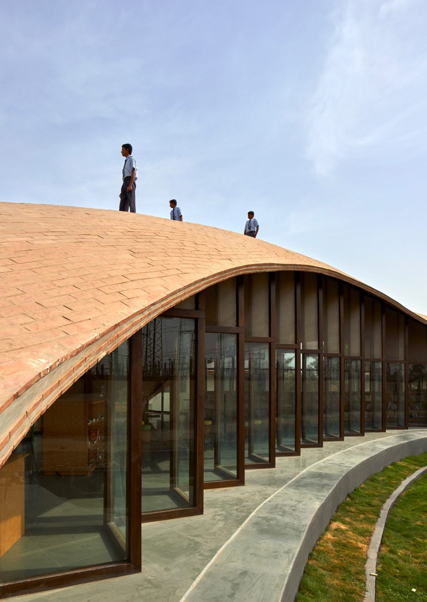 Sameep Padora Creates Undulating Brick Roof To Cover Indian School Library