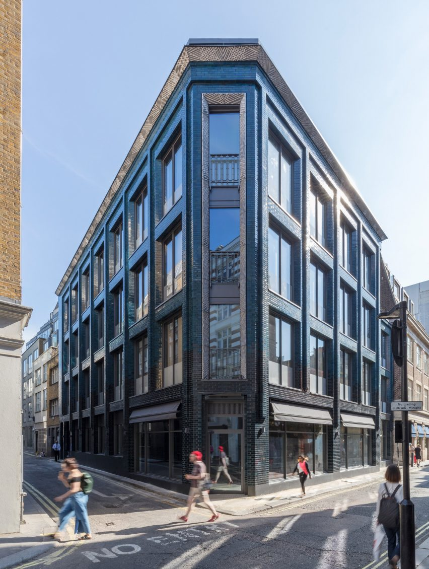 Its aim was to create a memorable and characterful building befitting of the location on the corner of beak street
