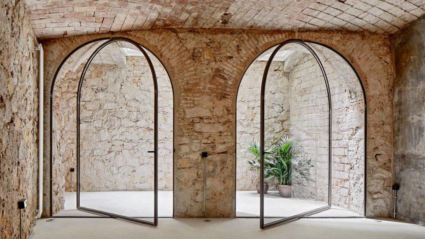 Triplex At Sant Antoni by Valentí Albareda Tiana