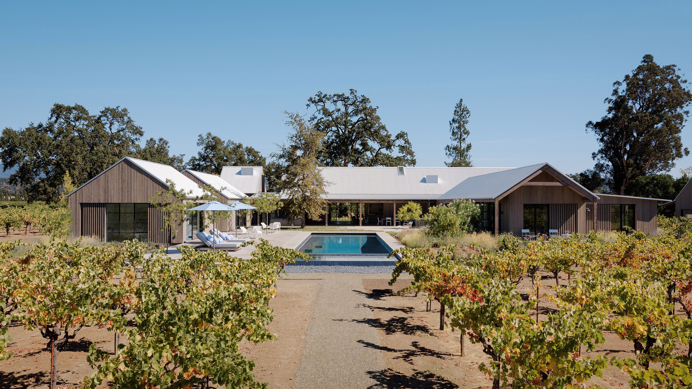 Field Architecture situates Zinfandel house in California wine country