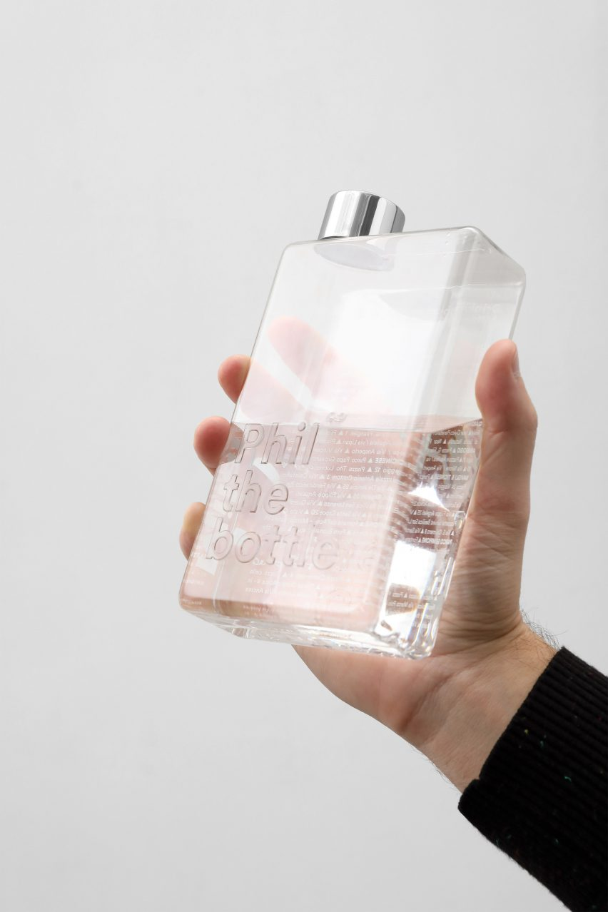 Emanuele Pizzolorusso designs refillable bottles that guide users towards water fountains