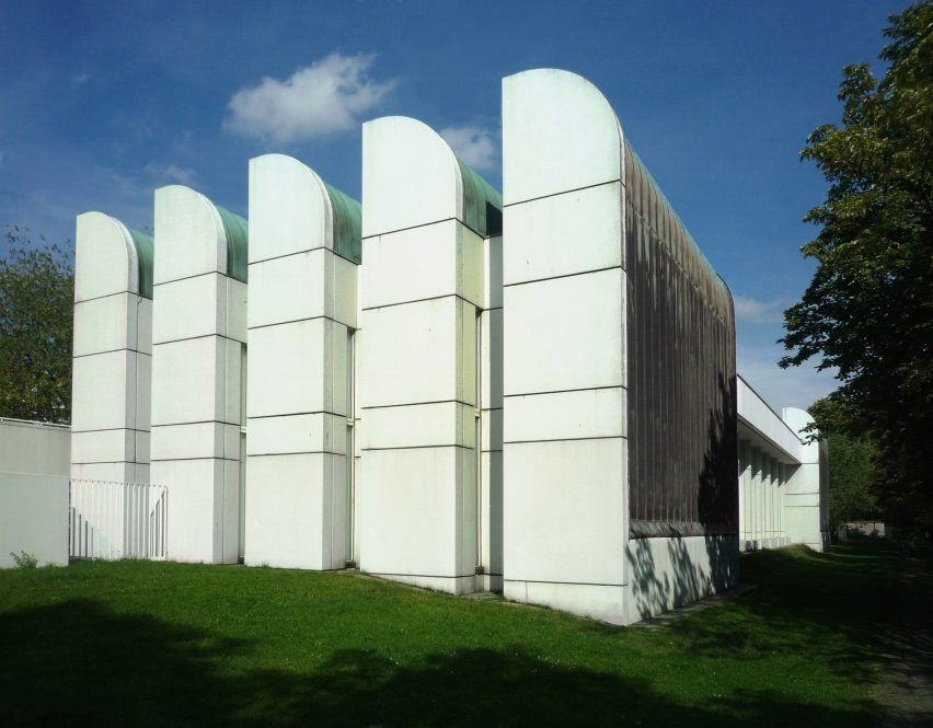 Berlin Bauhaus Archiv by Walter Gropius