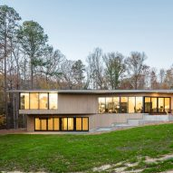 Smitharc Architects situates Blue Dog Residence on wooded property in North Carolina