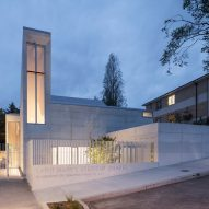 Mark Cavagnero creates concrete Chapel for Saint Mary's in California