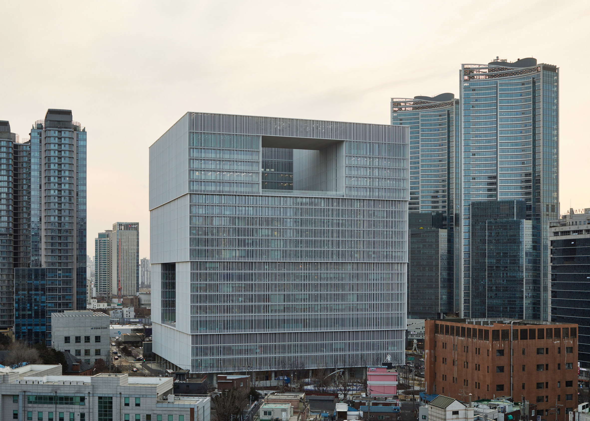 Dezeen Awards architecture winners: AmorePacific headquarters Seoul by David Chipperfield Architects Berlin