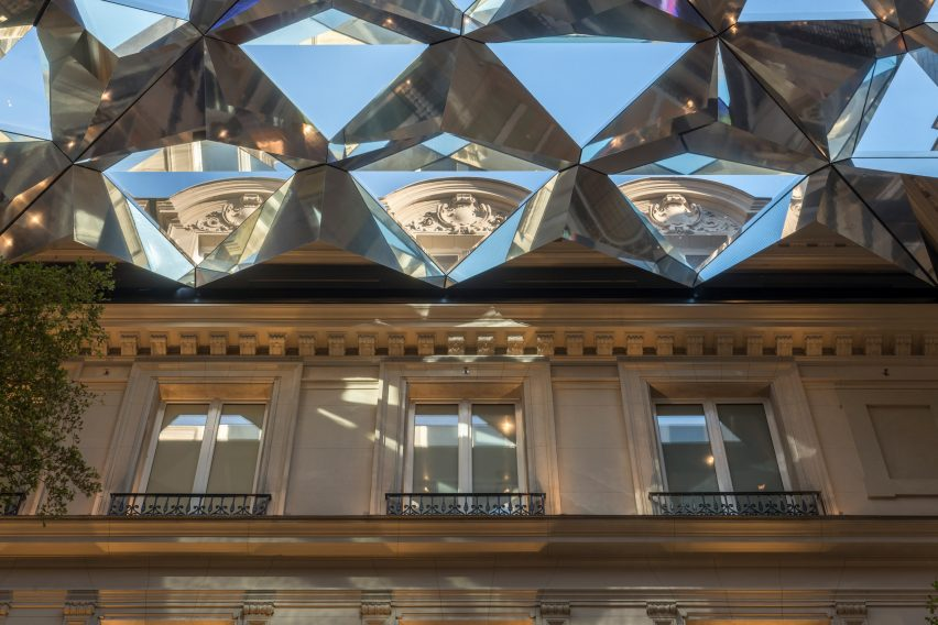 Foster + Partners' unveils Apple Store on Champs-Élysées in Paris