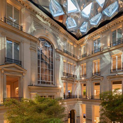 Foster + Partners' unveils Apple Store on Champs-Élysées in Paris